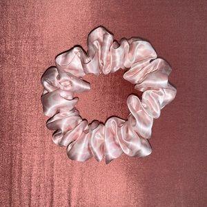 NEW Slip Silk Scrunchie Pink Leopard Animal